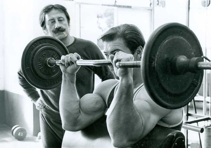 Panca Scott, pensata per isolare il muscolo bicipite
